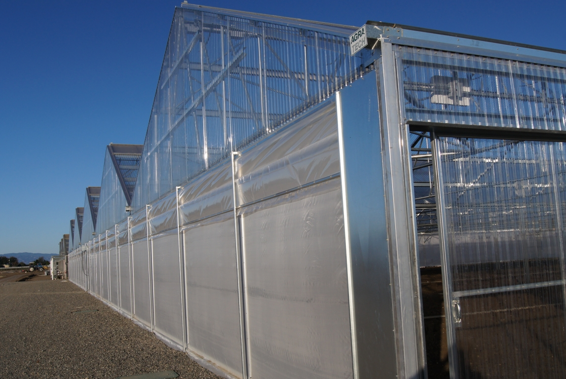 Roll up Wall | Commercial Greenhouse Accessories