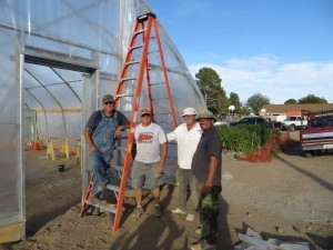North Slope 30 Greenhouse – Volunteer crew adding coverings