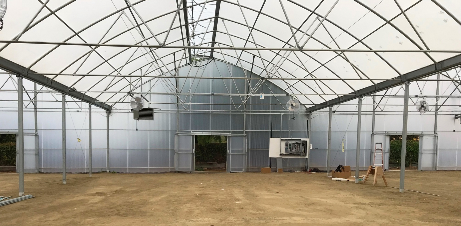 Agra Tech Continental greenhouse in construction | Commercial Greenhouse Manufacturer